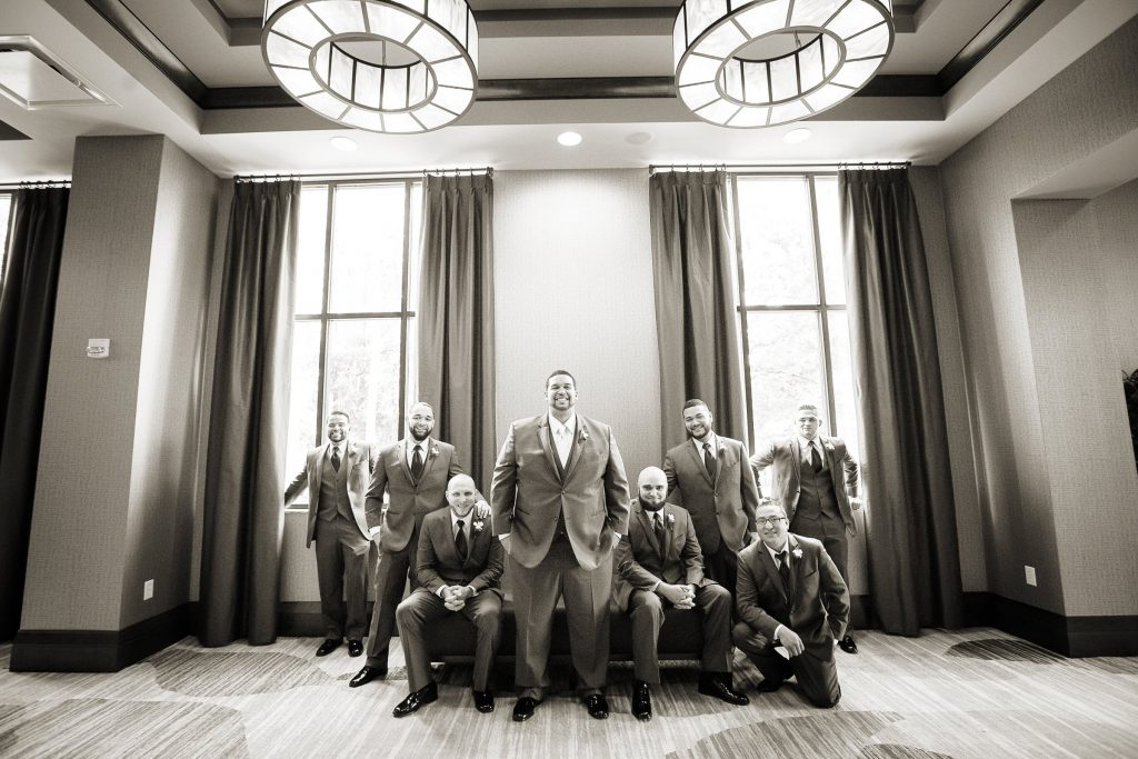 Wedding_party_and_family_portfolio_image_by_Chattanooga_based_Innamorata_Photography_ArielleBrandonWed00087M