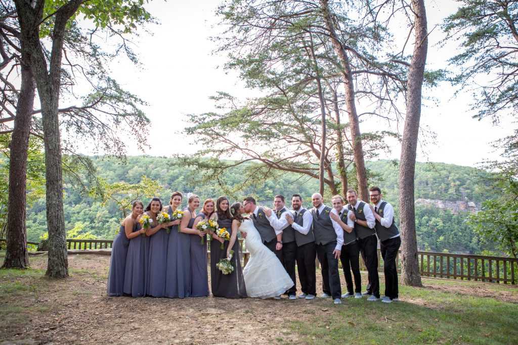 Wedding_party_and_family_portfolio_image_by_Chattanooga_based_Innamorata_Photography_ErrinNickWed0506C